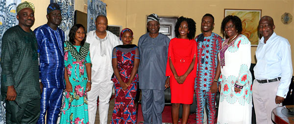 A group photograph by the Vice-Chancellor, Prof. Ganiyu Olatunji Olatunde with the corps members and other University functionaries.