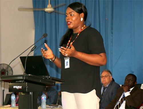 Mrs.-Ogochukwu-Iwuora-making-a-point-at-the-Workshop-oou