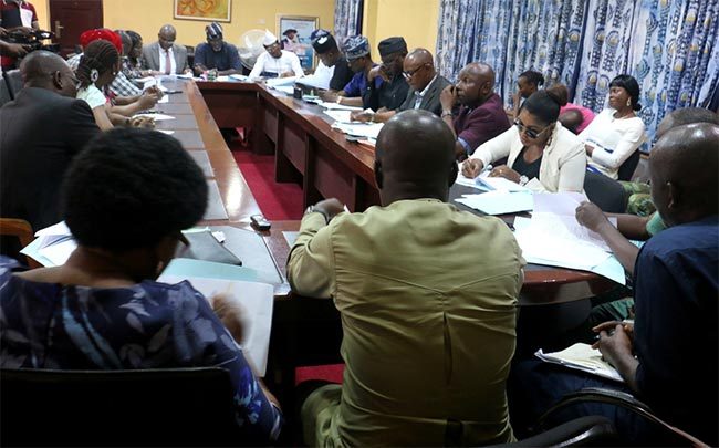 EDUCATION-HOUSE-COMMITTEE-COMMENDS-MANAGEMENT-oou