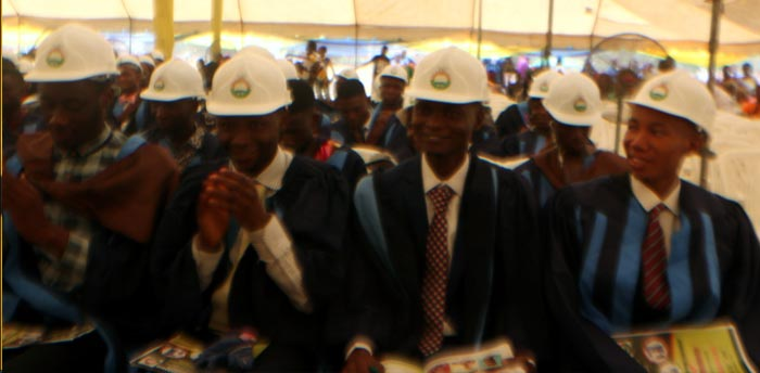 oou-Best-Graduand-from-the-Faculty-of-Engineering-4